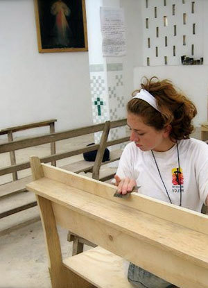 Shannon Kraemer volunteering