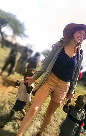 Shannon Kraemer volunteering in Kenya
